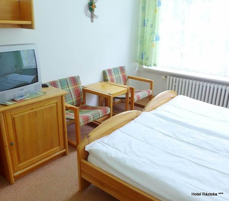 Hotel Ráztoka - dvoulůžkový pokoj Standard