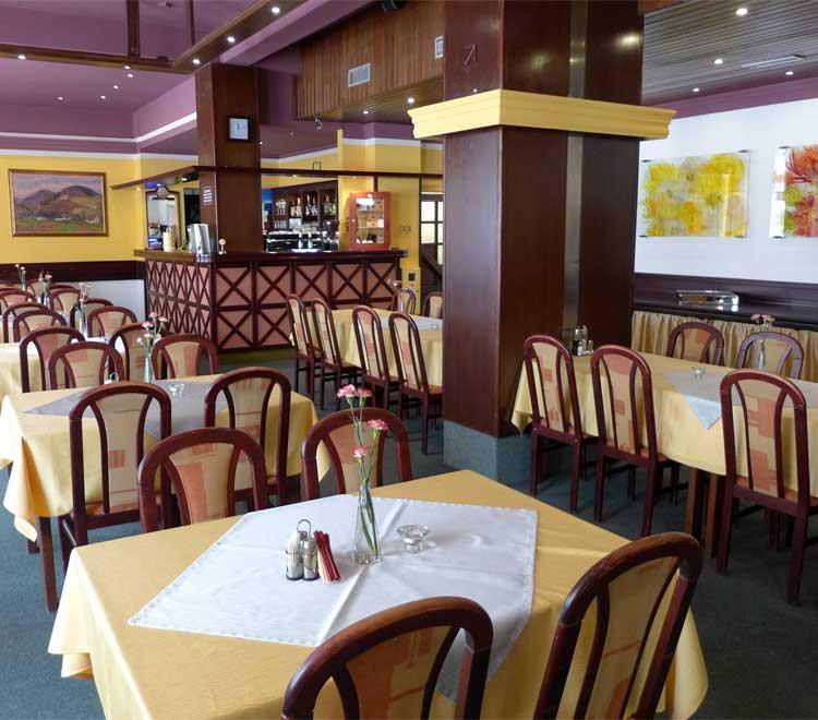 Restaurace hotelu Ráztoka - fotogalerie
